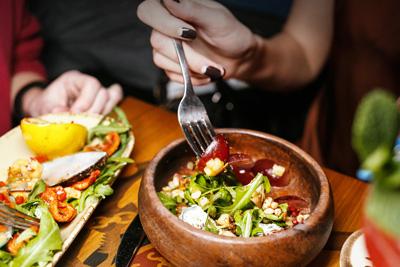 Una dieta saludable puede reducir el riesgo de presión..